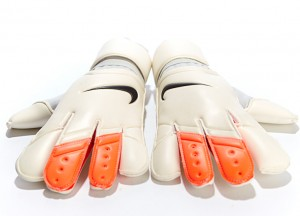 nike_vapor_3_goalkeeper_gloves