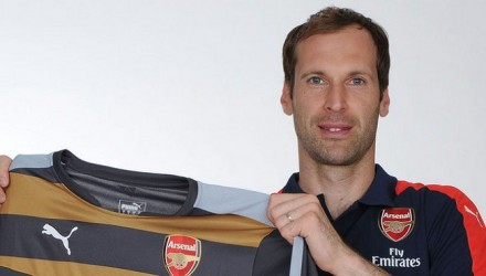 Cech Signs Contract