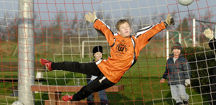 What age should youngsters start goalkeeper specific ...