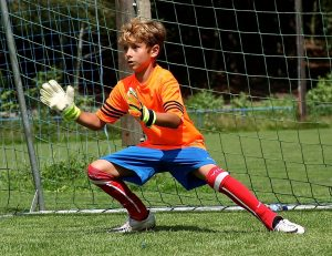what age should youngsters start goalkeeper specific training